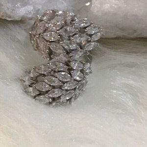 NWT Gorgeous White Sapphire Ring